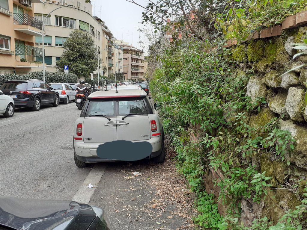 Parcheggi in via Micheli