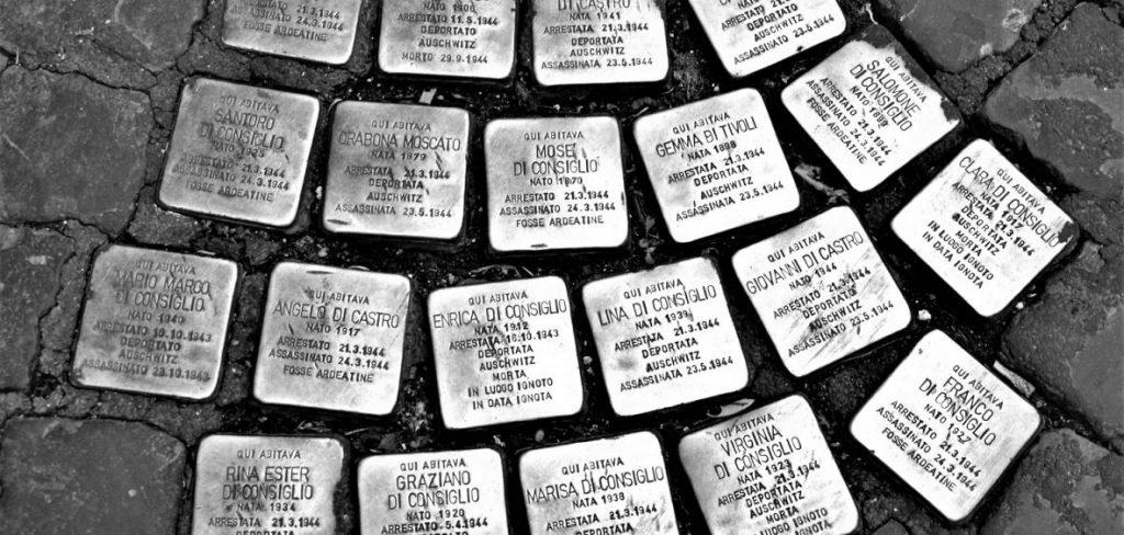 Le pietre d'inciampo per ricordare i deportati del nazismo