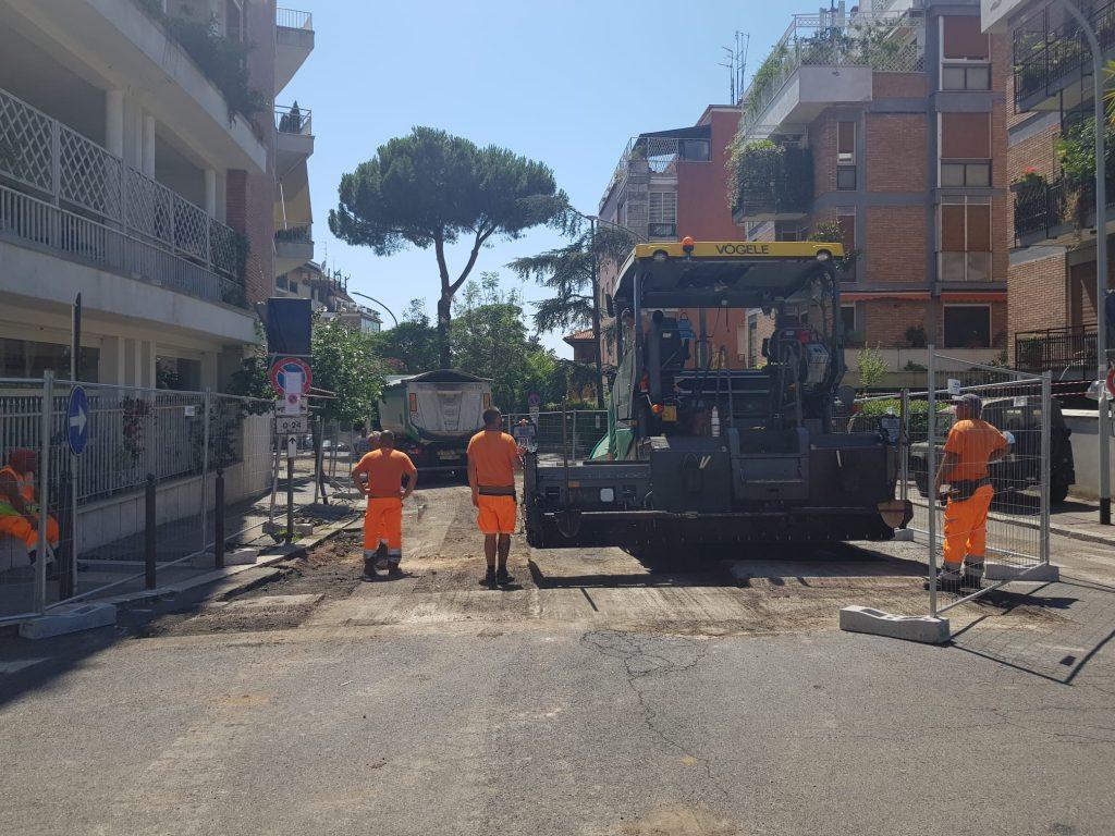 Via Porro, partiti i lavori di rifacimento della strada