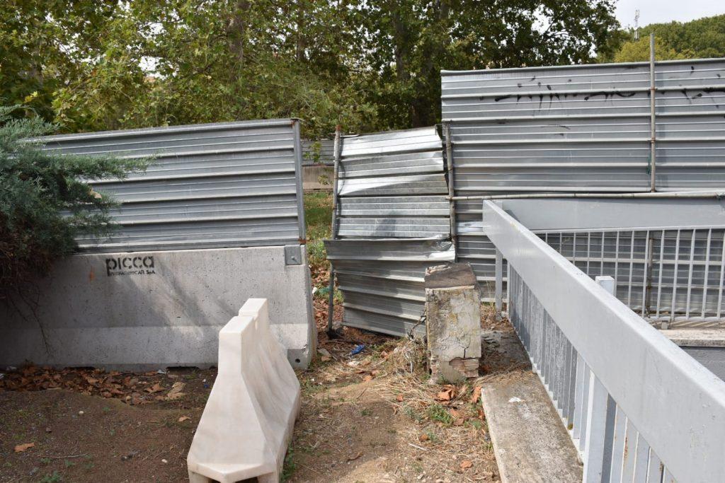 Il perimetro del cantiere è stato violato