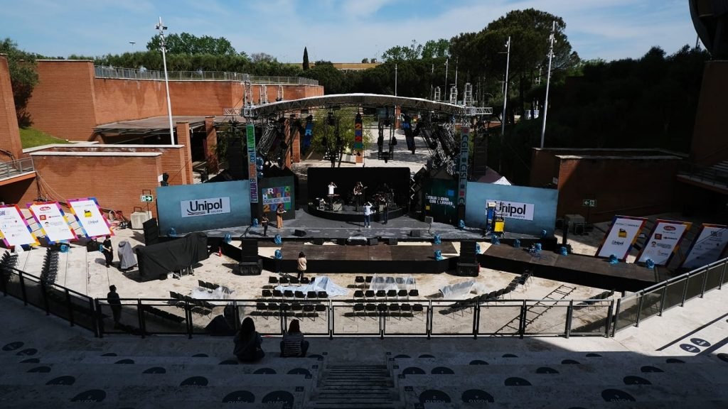 Foto dalla pagina Facebook Primo maggio Roma