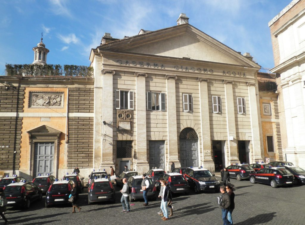La caserma Giacomo Acqua di piazza del Popolo