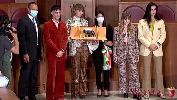 La cerimonia di premiazione dei Maneskin in Campidoglio