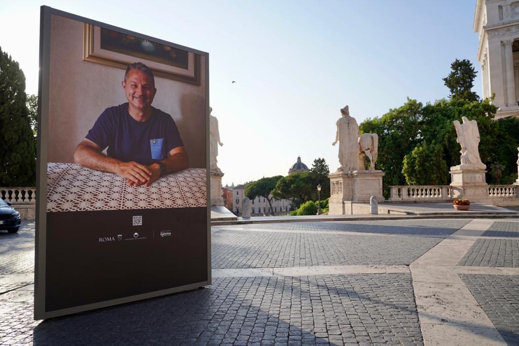 Una delle installazioni visibili in piazza del Campidoglio