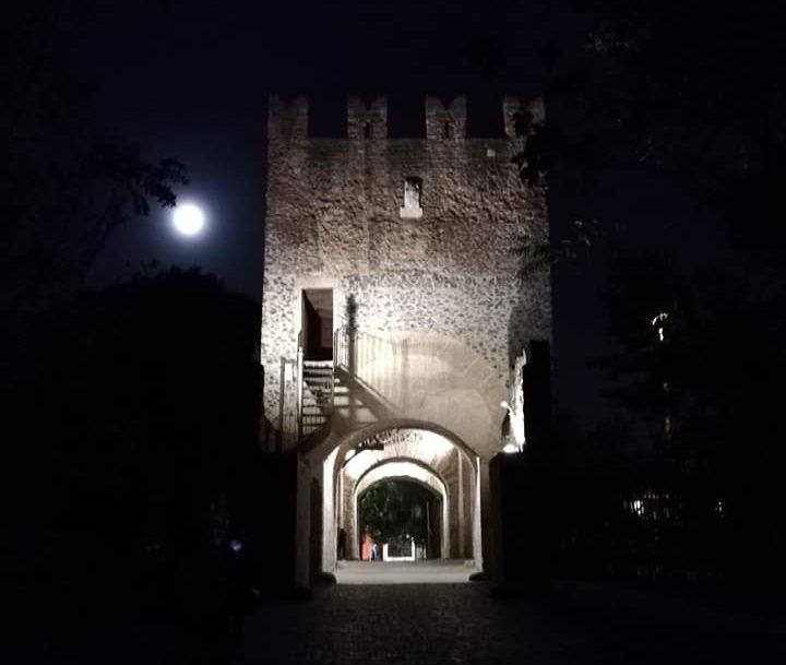 Ponte Nomentano illuminato (foto di Francesca Dell'Orco)