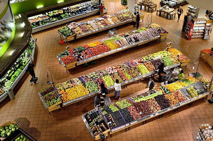 Un supermercato visto dall'alto
