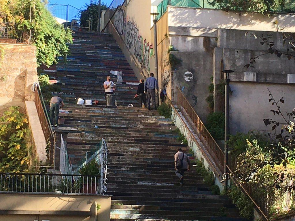 Lavori sulla scalinata a via Tremiti