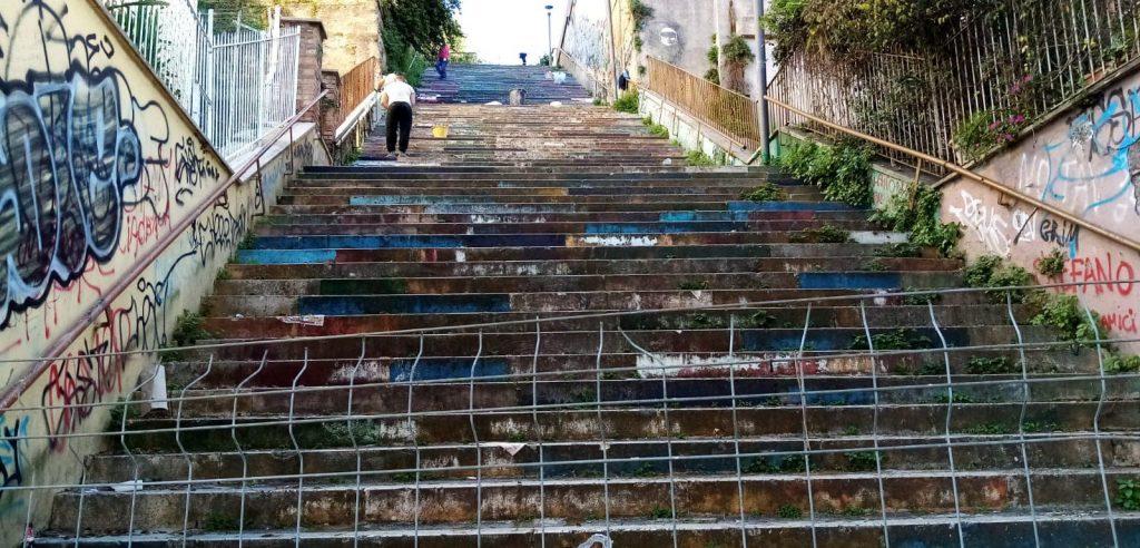 Gli interventi in corso sulla scalinata a via Tremiti