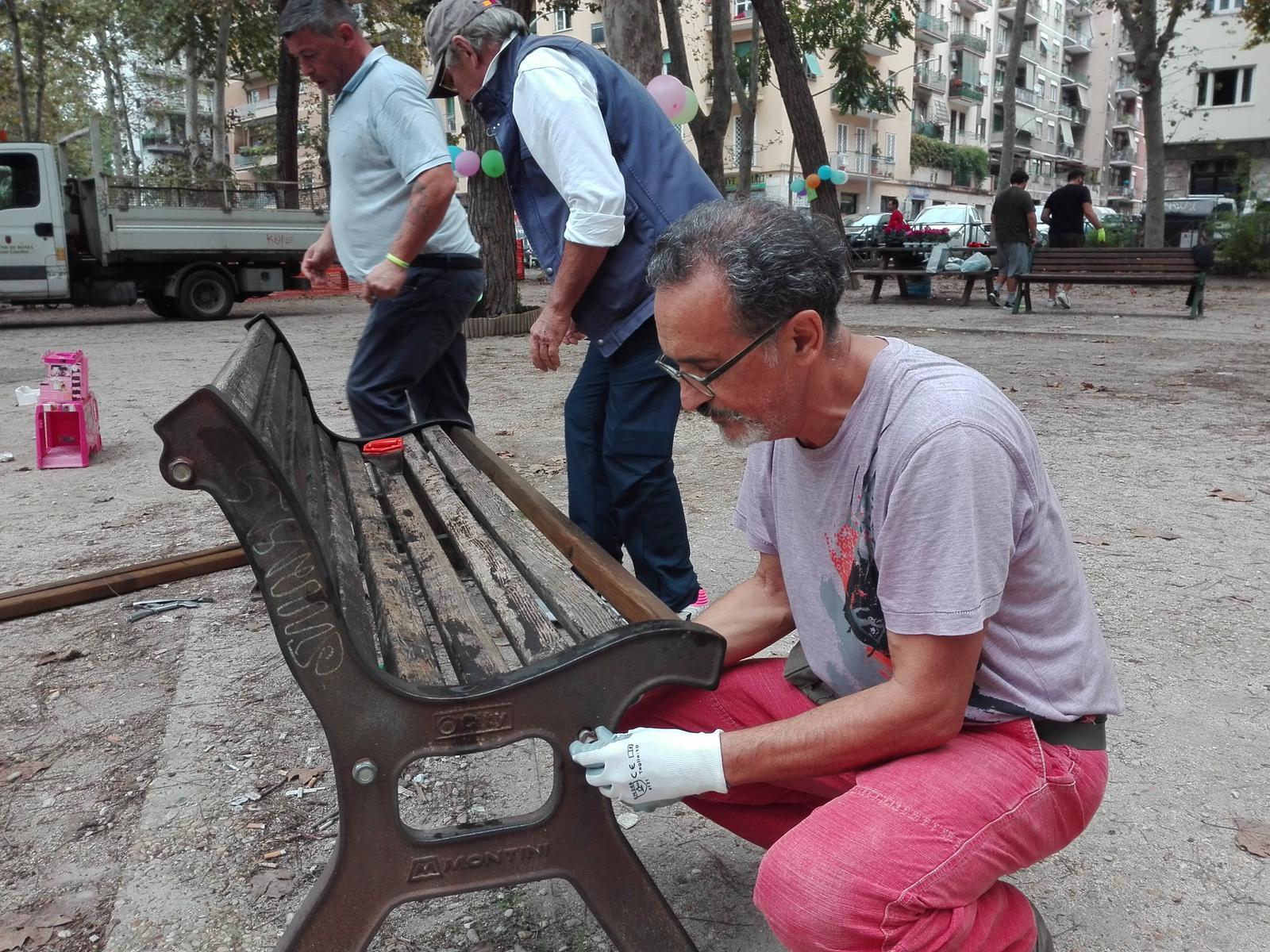Livio Terzino, da anni volontario nel quartiere di Retake Roma
