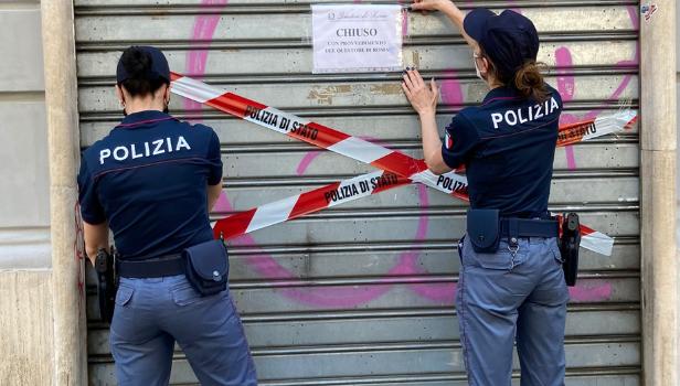 La polizia mette i sigilli ad un locale del Salario