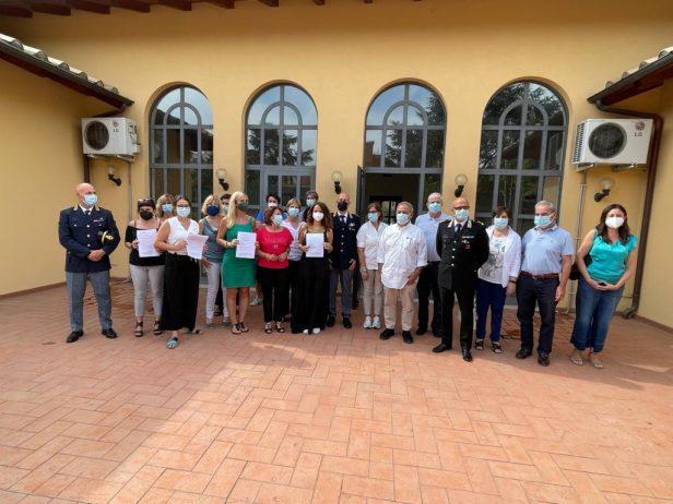 Istituzioni e associazioni insieme dopo la firma del protocollo
