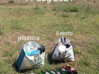 Alcuni dei rifiuti raccolti da Giovanni a Parco Talenti
