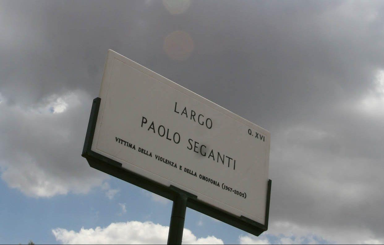 La targa in memoria di Paolo Seganti