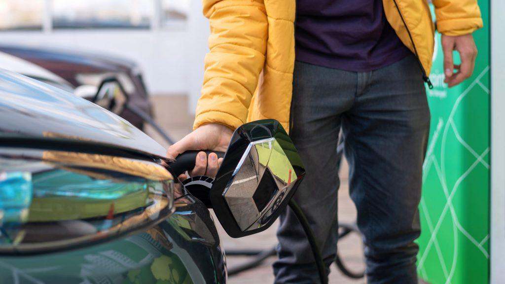Perché la vita diventa più semplice con un'auto 100% elettrica