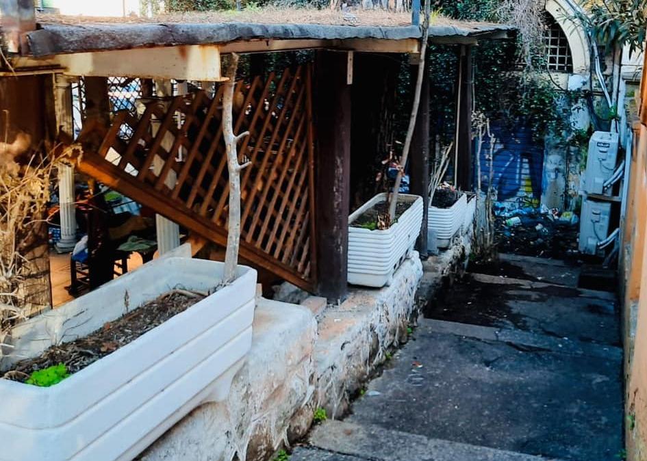 La veranda demolita in piazza Pontida