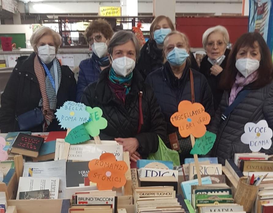 Alessandra Farina (seconda da destra) con le altre promotrici dell'iniziativa: Maria, Miriam, Patrizia, Lena, Maria Cecilia e Giusi