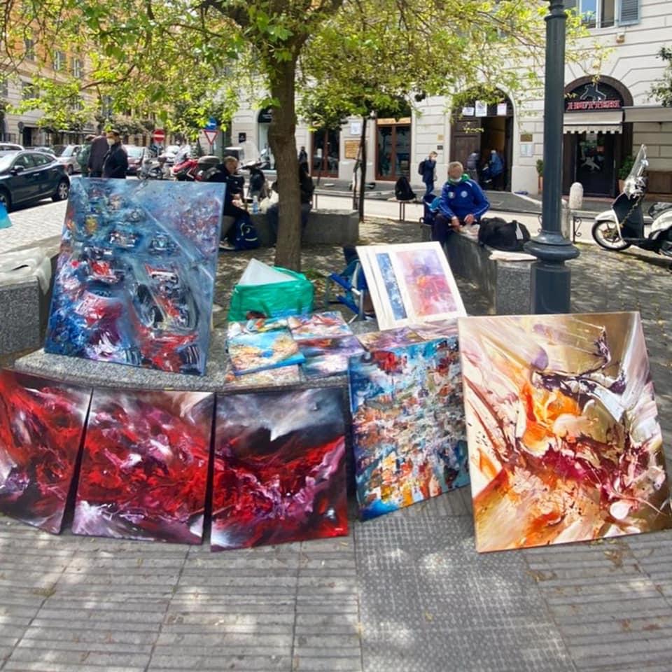 """L'iniziativa """"Esci di casa arte"""" in piazza Regina Margherita"""