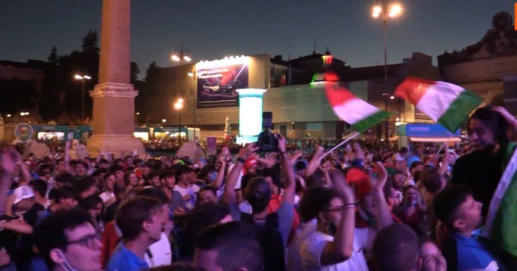 Tifosi italiani a piazza del Popolo