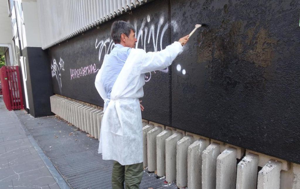 Il murales vandalizzato (foto Sapienza)