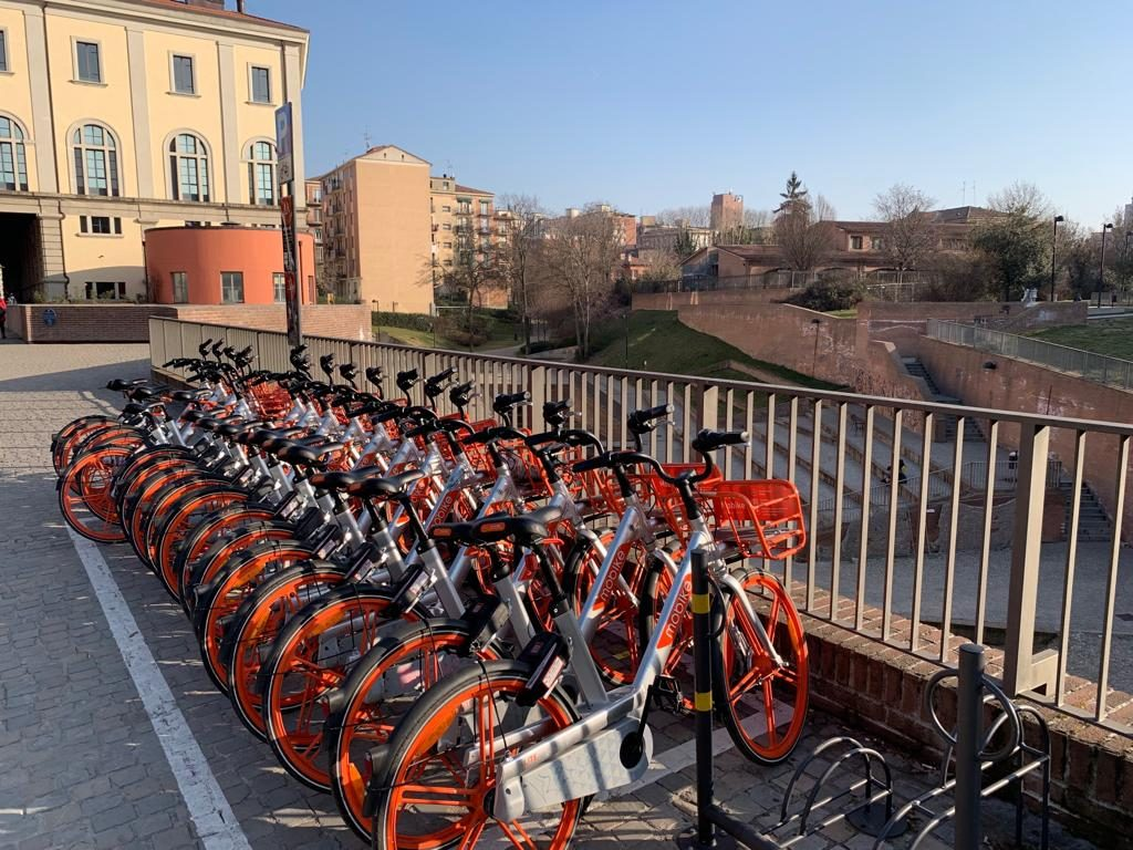 Le biciclette Mobike a Bologna