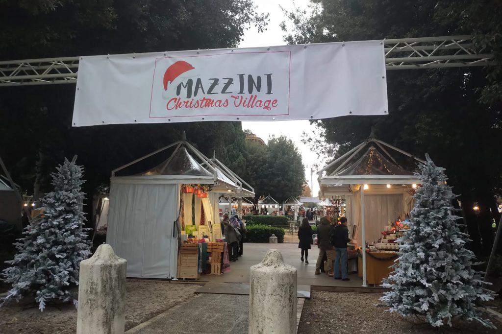 Piazza Mazzini, mercatini