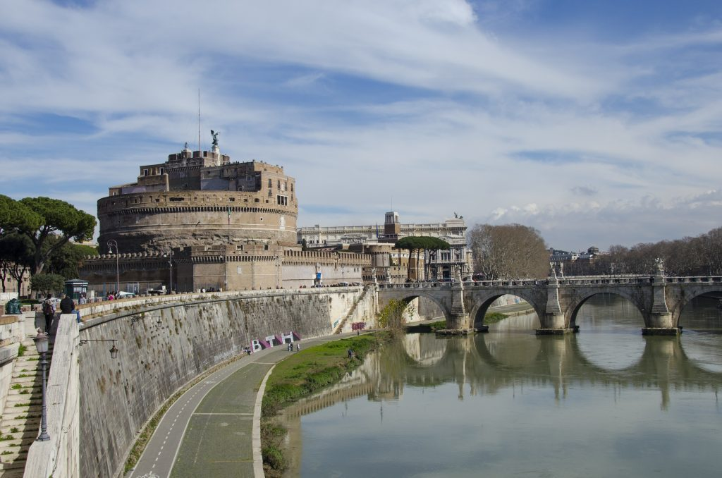 Castel Sant'Angelo visto dal Tevere
