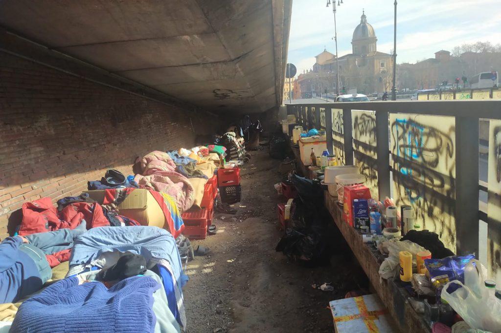 L'accampamento sotto alla rampa del Sangallo