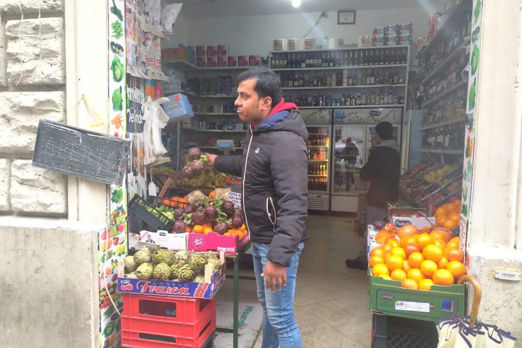 Hasan Jahid, commesso del negozio assaltato dal branco