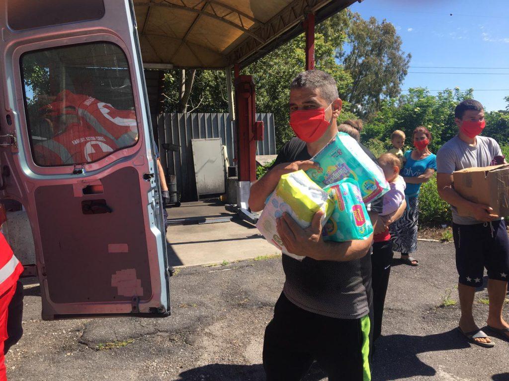 I beni di prima necessità vengono consegnati