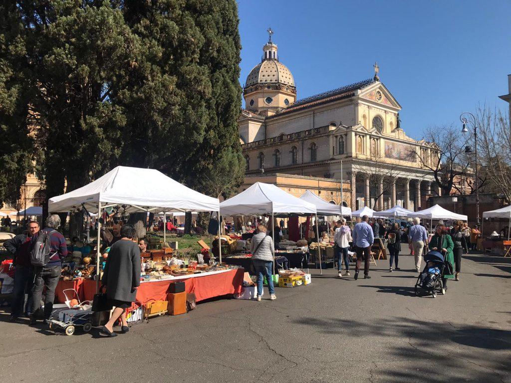 Il mercatino di piazza dei Quiriti