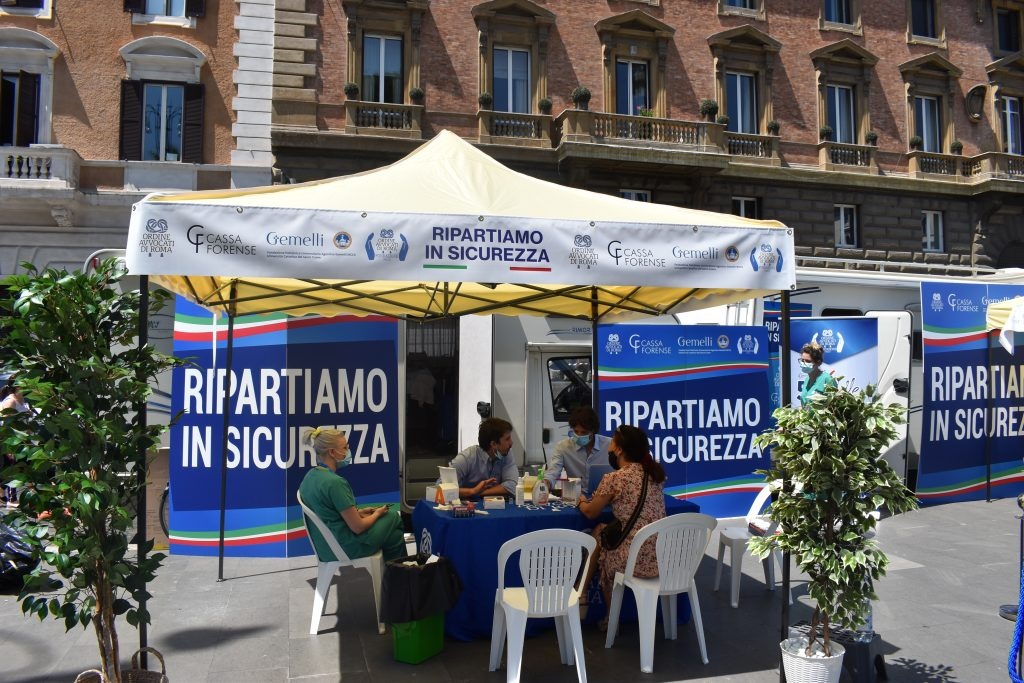 Test sierologici in piazza Cavour