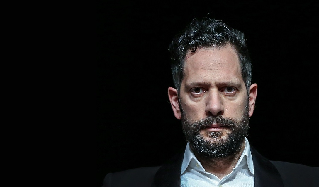 Lorenzo Lavia, attore e regista prevalentemente teatrale, è figlio dell'attrice Annarita Bartolomei e del regista e attore Gabriele Lavia