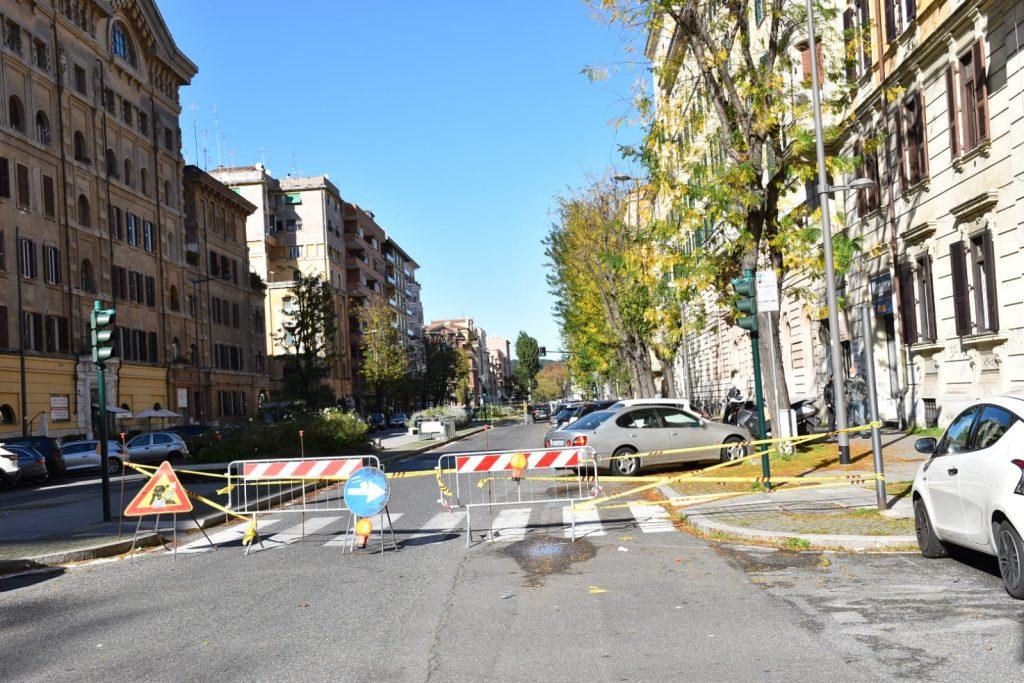 Il tratto di via Oslavia interdetto al traffico