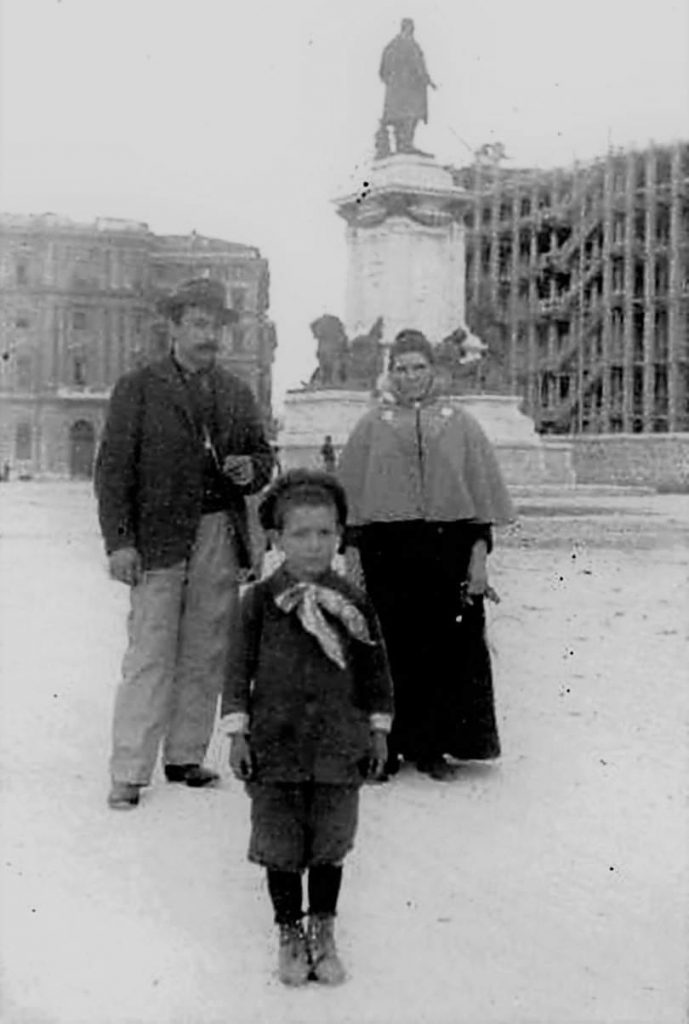 """Piazza Cavour nel 1905. Foto dal gruppo Facebook """"Sei di Prati se..."""""""