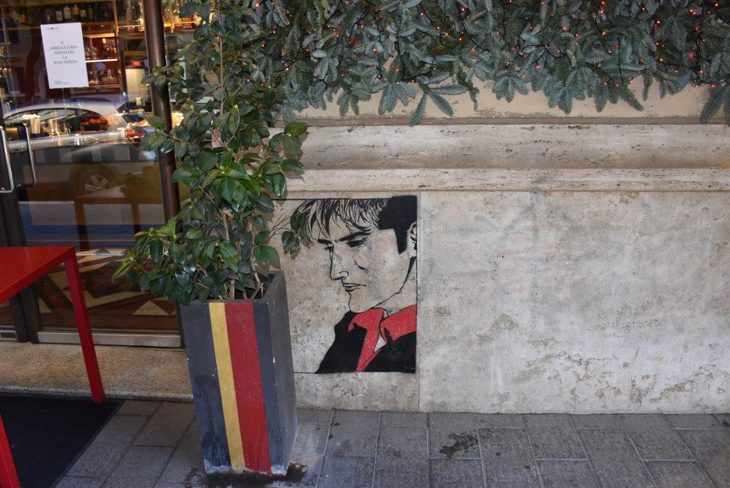 Il murale di Dylan Dog all'ingresso di Antonini in via Sabotino