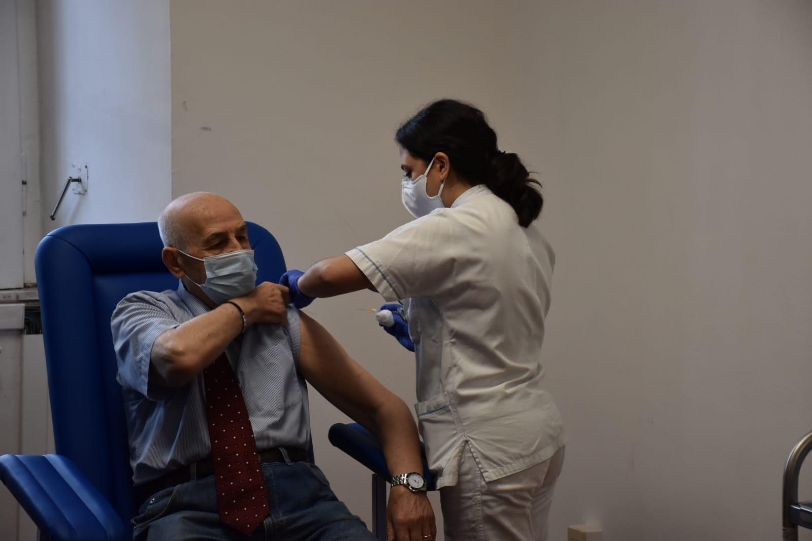 La vaccinazione degli over 80 al Santa Maria della Pietà