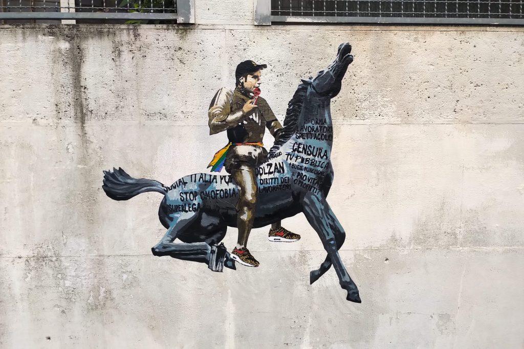 Il murale su Fedez in via Podgora