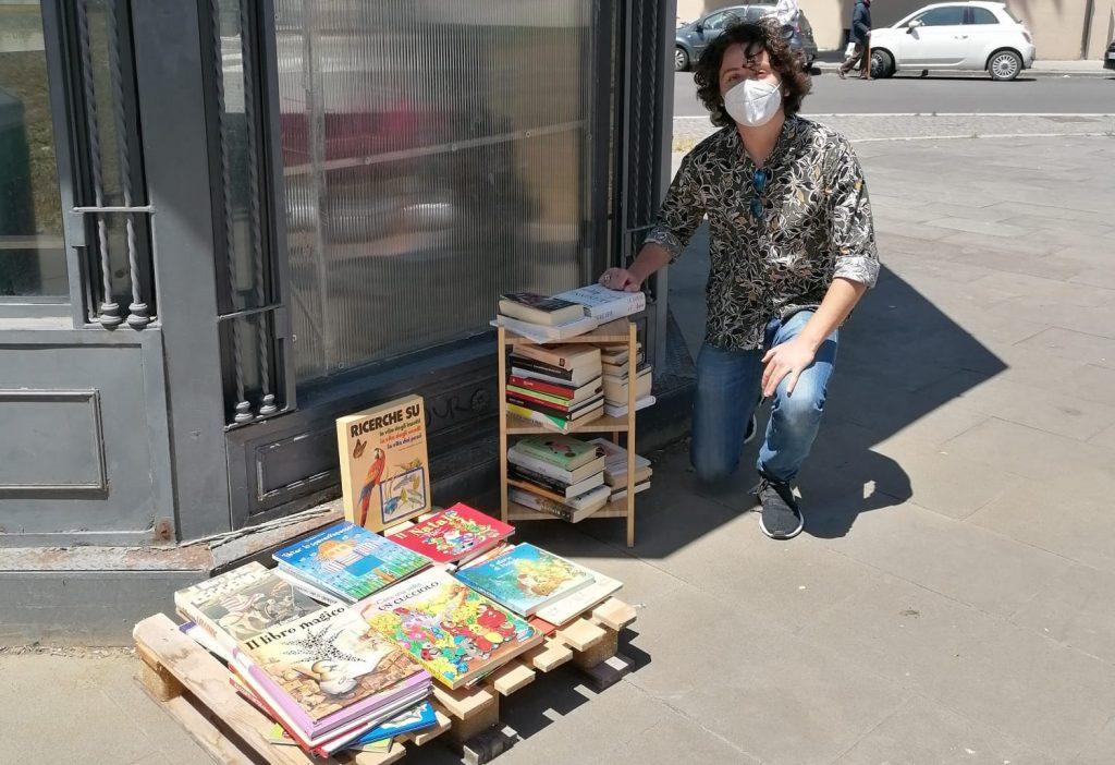 Valerio Vinco con la libreria di piazza Bainsizza