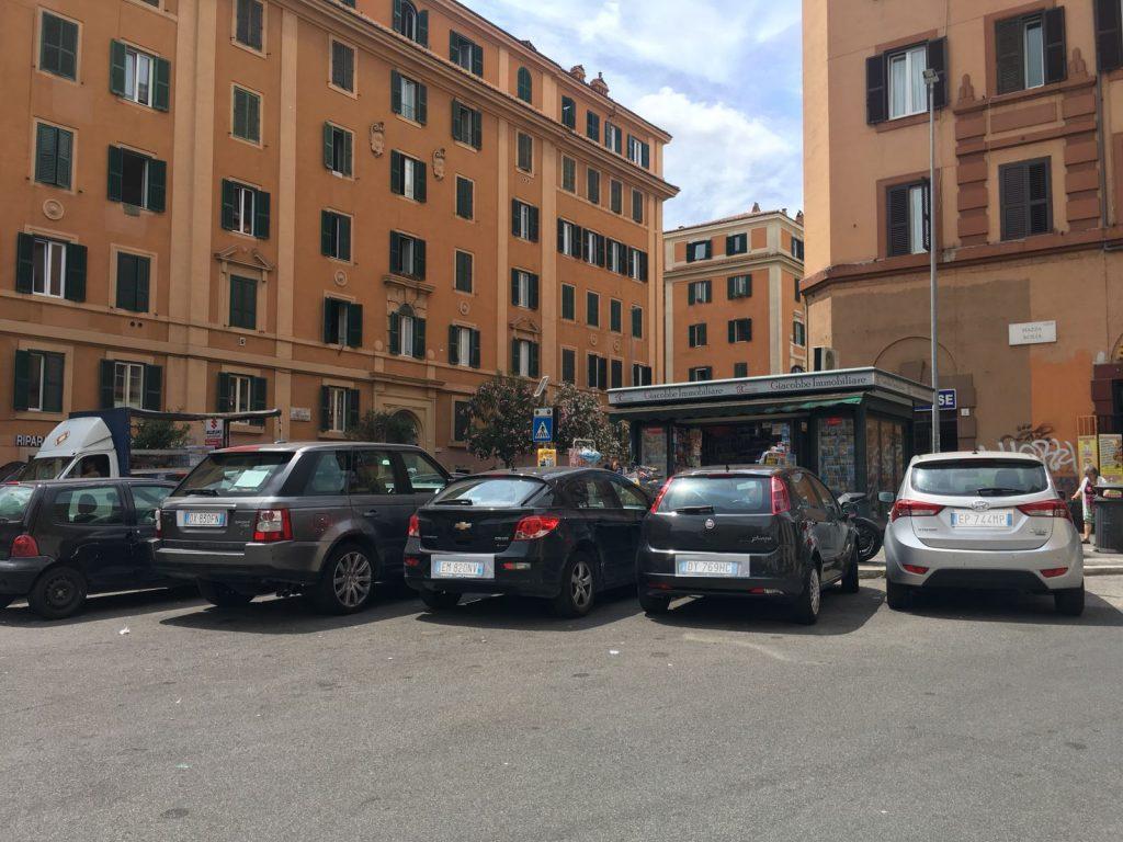 Parcheggio piazza Acilia
