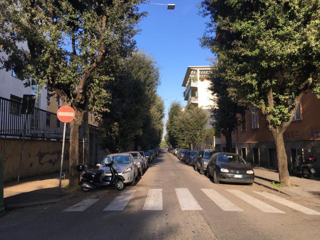 Via di Villa Ada, incrocio con via Lariana