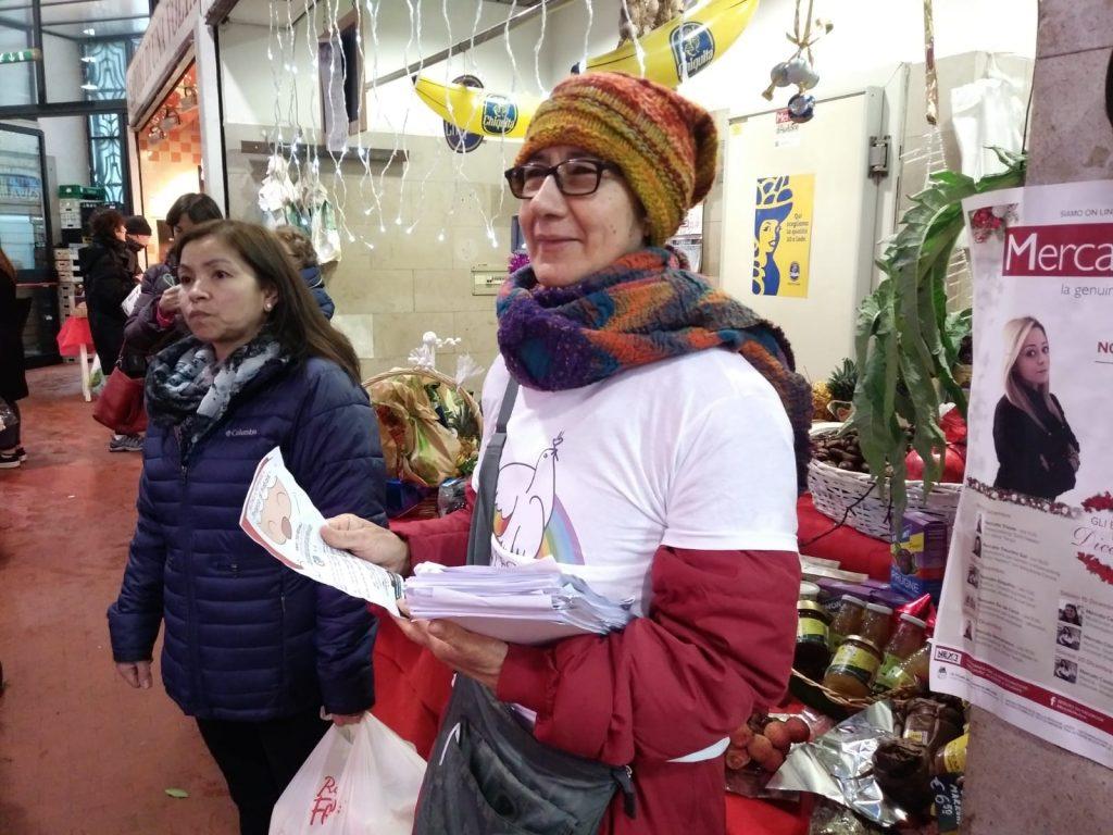 I volontari di Sant'Egidio al mercato Nomentano