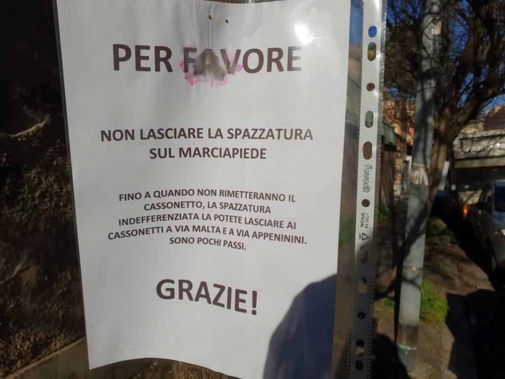 Il messaggio dei residenti in via Zara