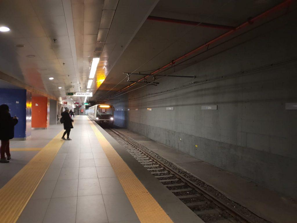 I treni in arrivo alla fermata Libia