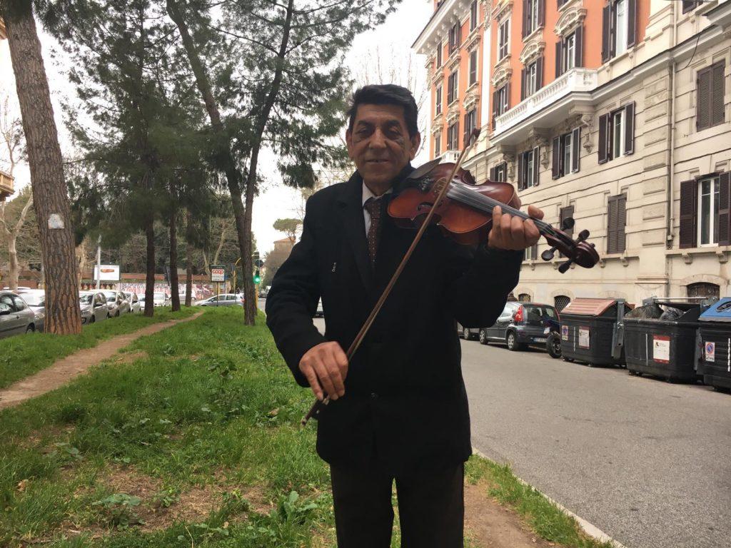 Ion, il violinista di corso Trieste