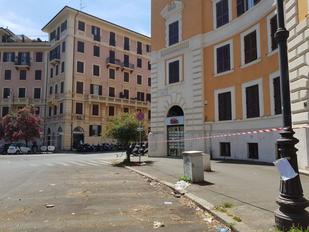 Piazza Verbano sgombera dalle auto, ma dei lavori ancora non c'è traccia