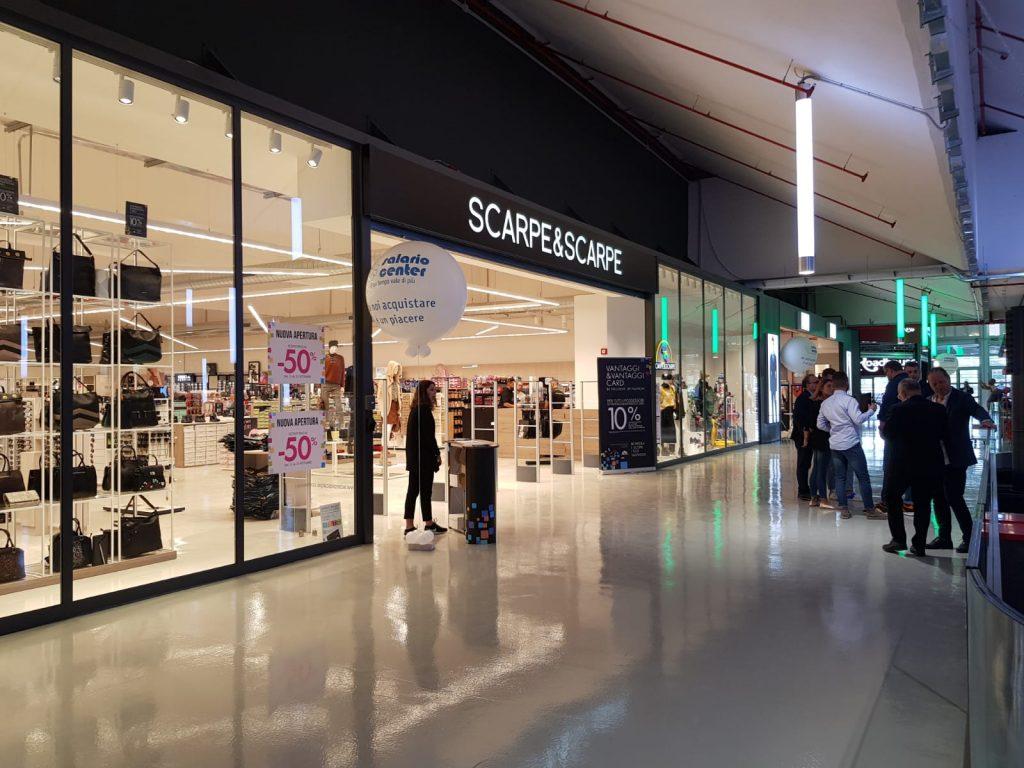 Un negozio del Salario Center