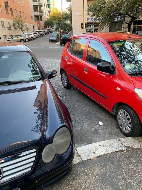 La foto scattata sabato tra via Cattaro e via Tarvisio