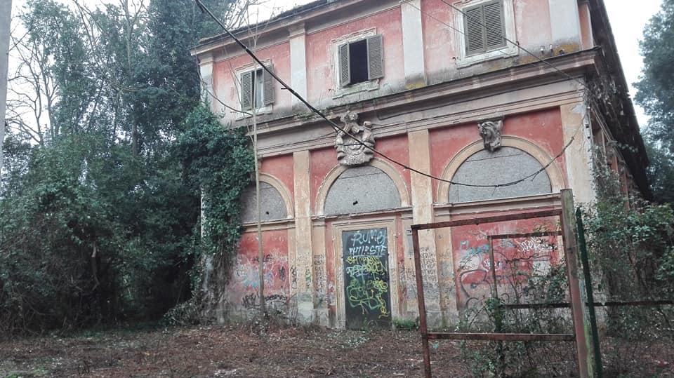 Le ex Scuderie Reali di Villa Ada