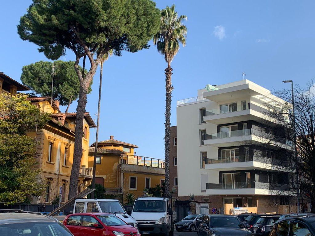 il nuovo edificio costruito sulle ceneri del villino storico di via Ticino 3