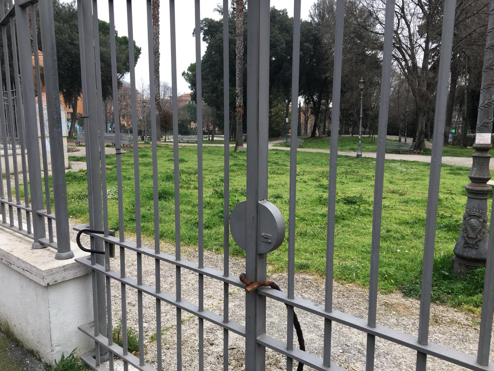 Sigilli a Villa Paganini per ordinanza del Campidoglio